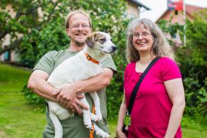 Besucherteam-Koordinatorin Nicole Rössel  mit Sascha Pajung und seinem Hund Sammy