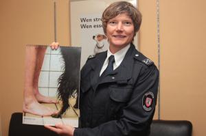 Feuerwehr-Tierheimkalender_2015_-4-__Foto_Rainer_Kieselbach